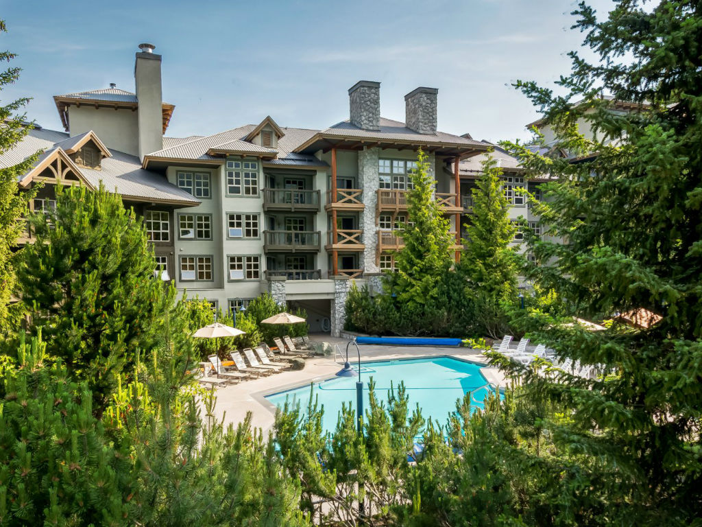 Coast Blackcomb Suites – Whistler